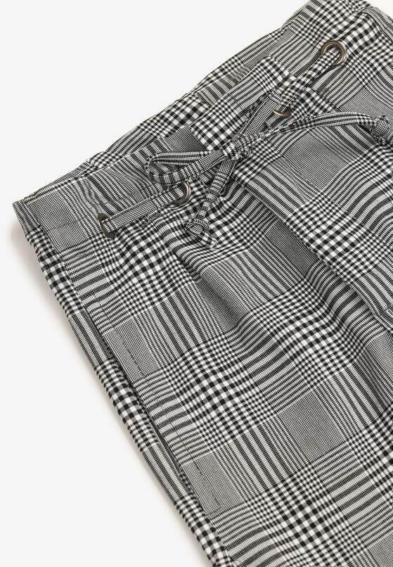 Czarno-Białe Spodnie Diosixa