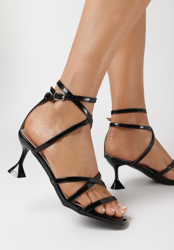 Czarne Sandały Nesais