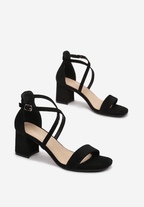 Czarne Sandały Thespisha