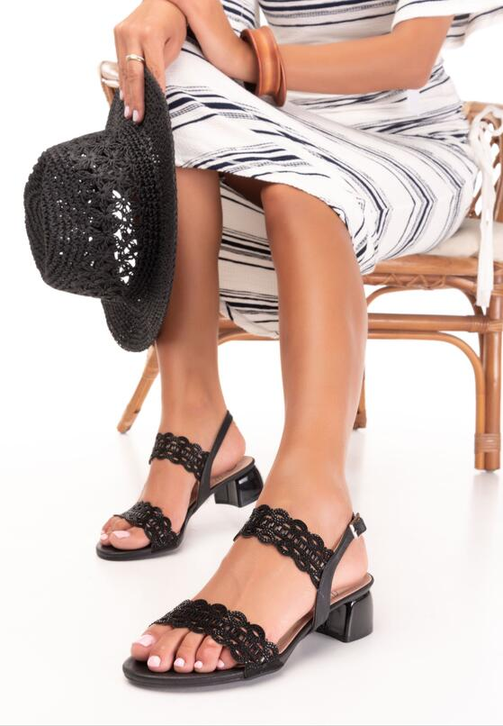 Czarne Sandały Adrapheia