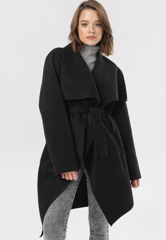 Czarny Płaszcz Adralila