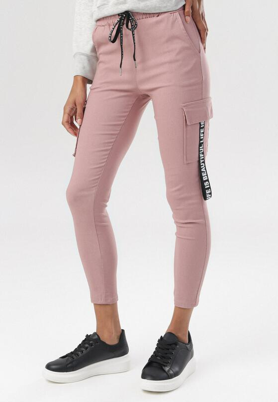 Ciemnoróżowe Spodnie Delomare