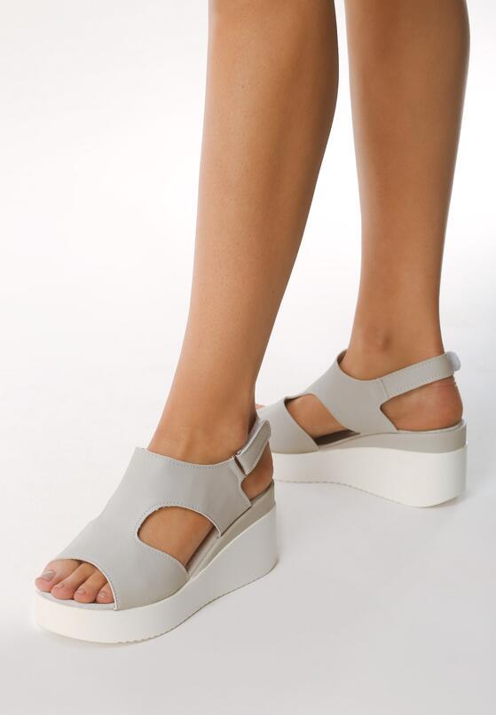Szare Sandały Obtainable