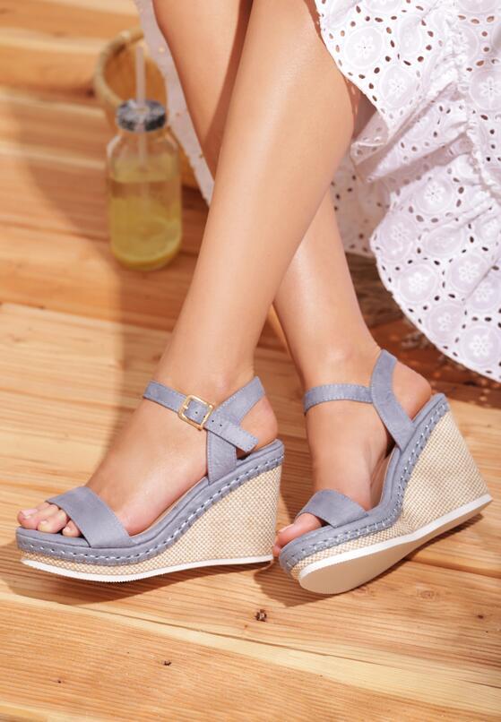 Jasnoniebieskie Sandały Disingenuous