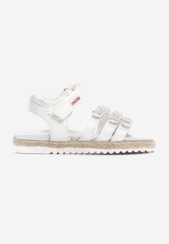 Białe Sandały Equalize