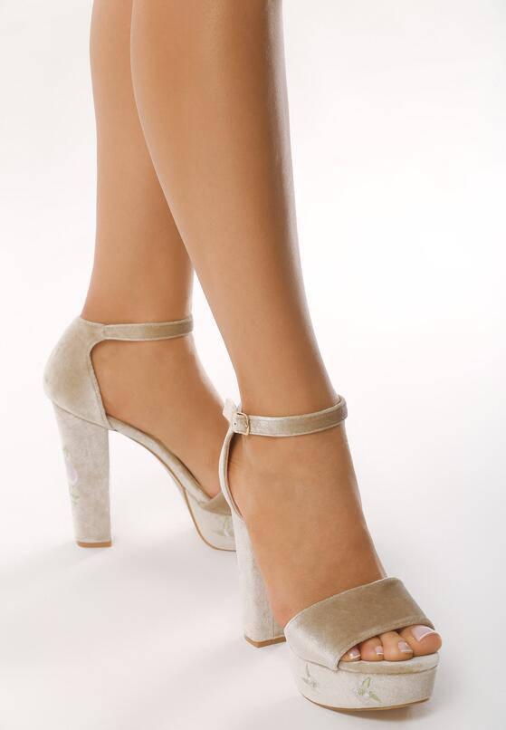 Beżowe Sandały Erisa