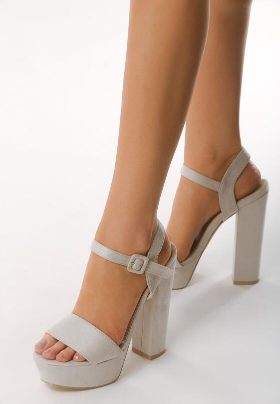 Jasnoszare Sandały Chic Heels
