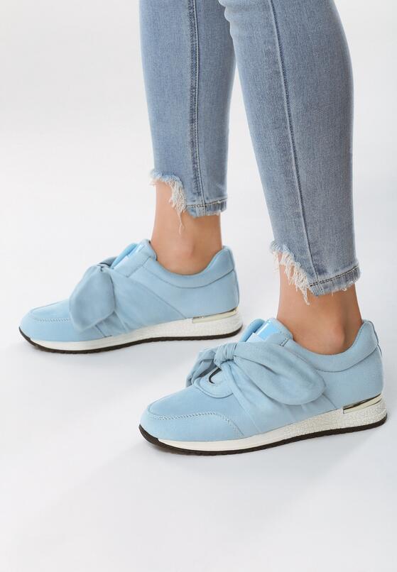 Błękitne Sneakersy Instruction