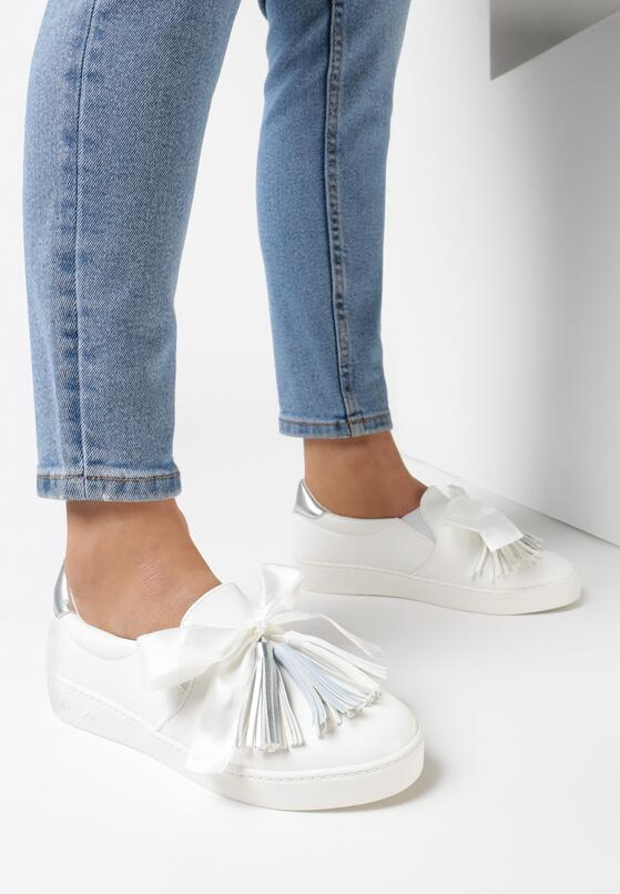 Biało-Niebieskie Slip On Peekaboo