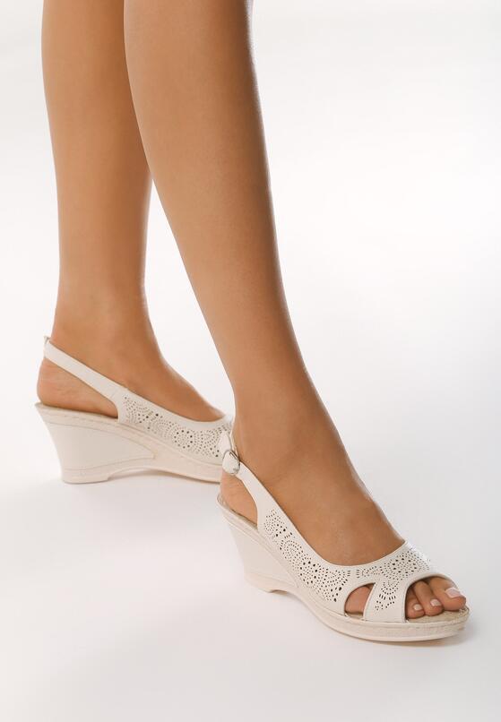 Beżowe Sandały Front of Me
