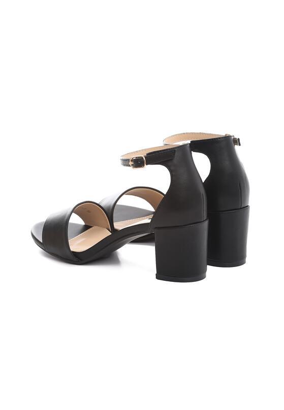 Czarne Sandały Cabaret