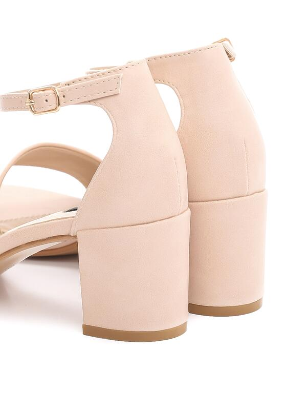 Beżowe Sandały Cabaret