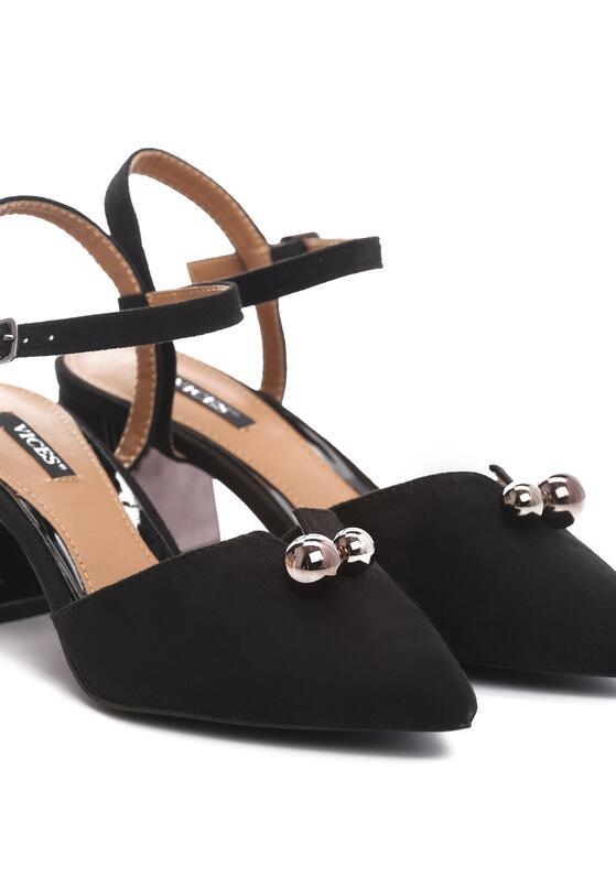 Czarne Sandały Circumstantiated