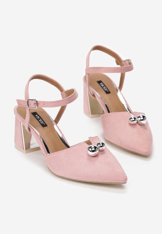 Różowe Sandały Circumstantiated