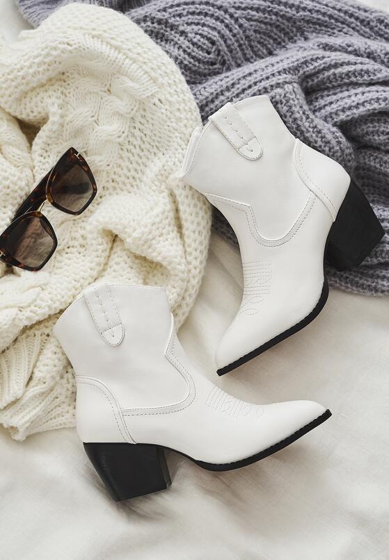 Białe Kowbojki Rosemeadow