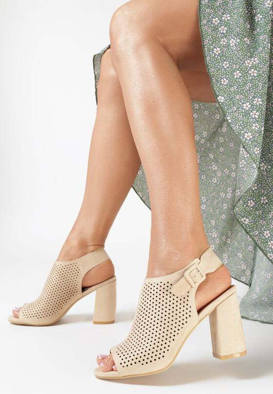 Beżowe Sandały Aetheriko