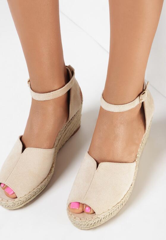 Beżowe Sandały Aetherin