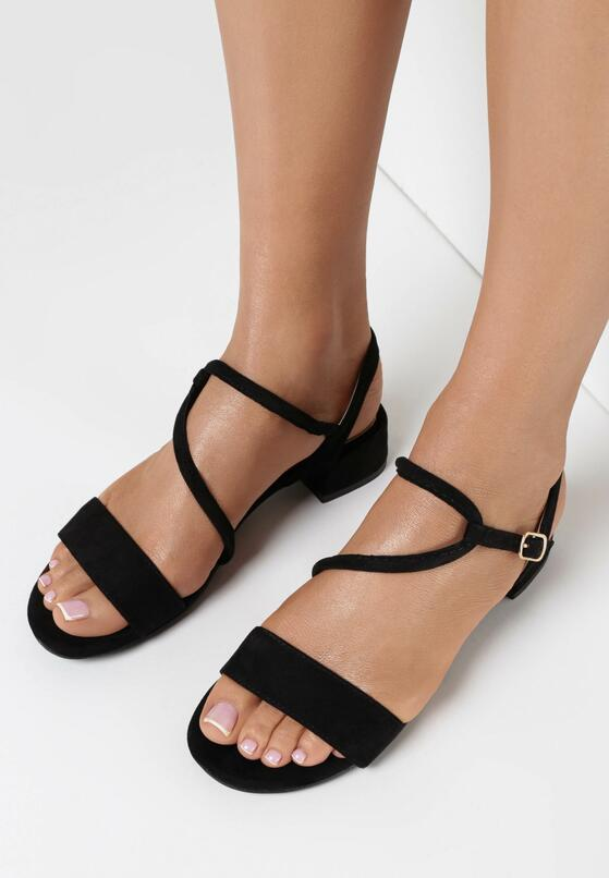Czarne Sandały Themithelia