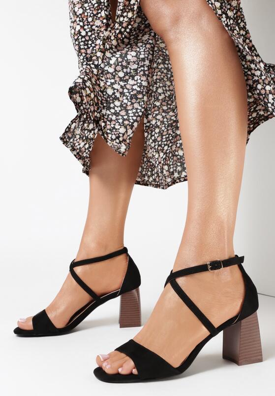 Czarne Sandały Sherina