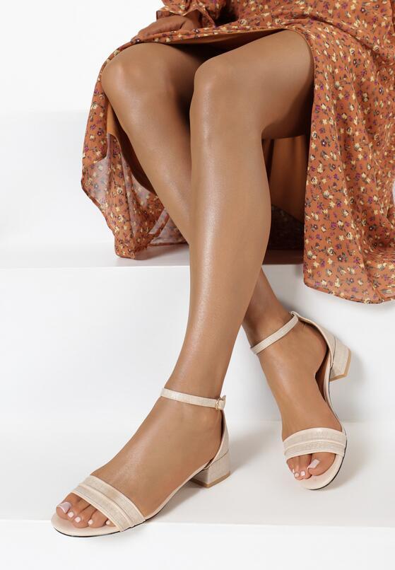 Jasnobeżowe Sandały Chamine