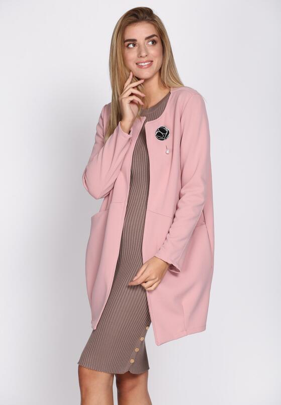 Różowy Płaszcz Pearl Brooch
