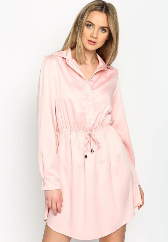Różowa Sukienka The News