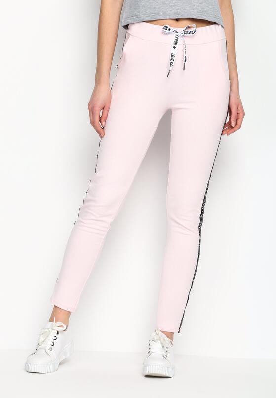 Jasnoróżowe Spodnie Dresowe Conveniently