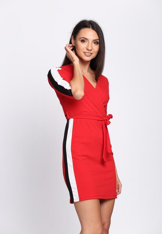 Czerwona Sukienka Colorful Stripes