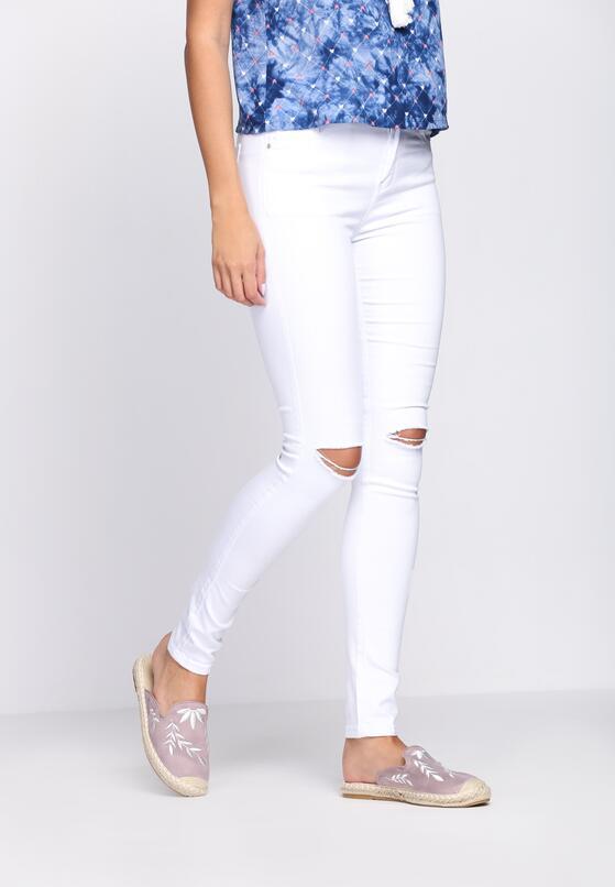 Białe Jeansy Snowy White