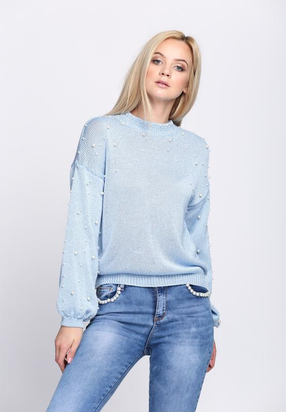 Niebieski Sweter Over The Shoulders