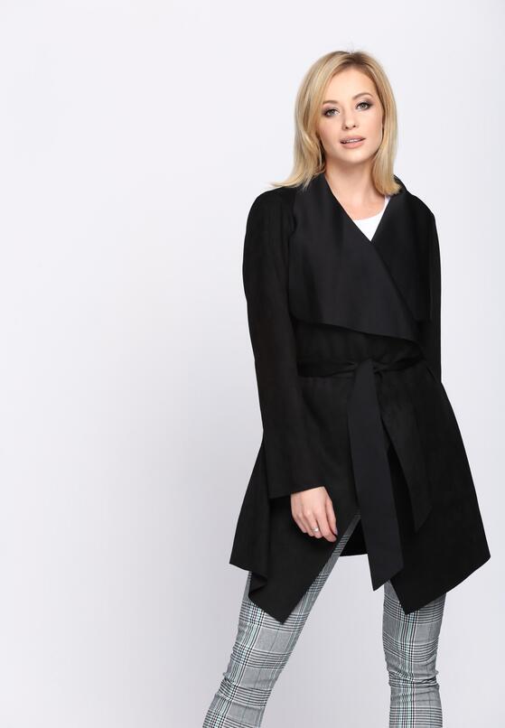 Czarny Płaszcz Relating