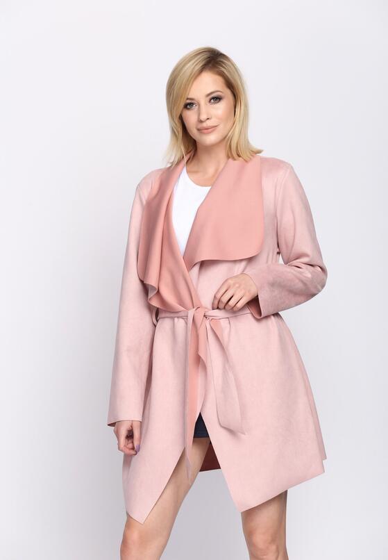 Różowy Płaszcz Relating