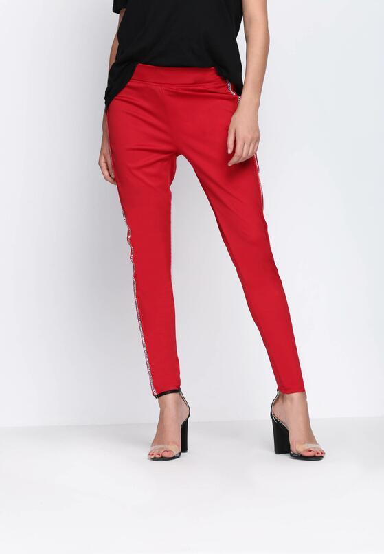 Czerwone Spodnie Chasing Stars