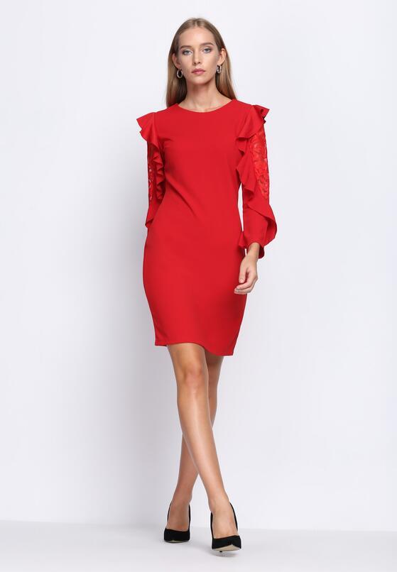 Czerwona Sukienka Beaten Path