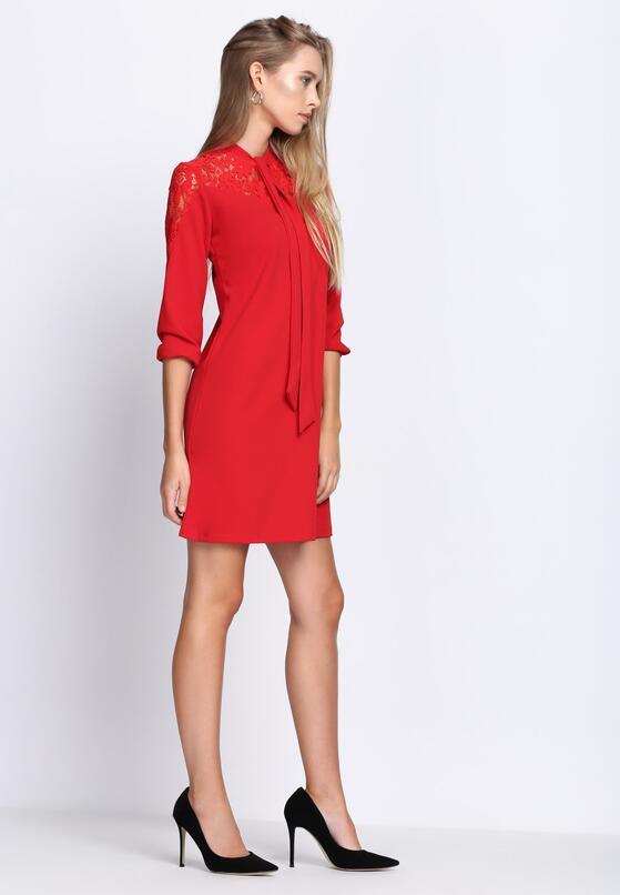 Czerwona Sukienka Nighttime
