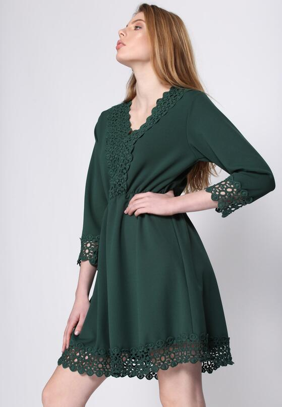 Zielona Sukienka Novel