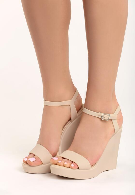 Beżowe Sandały Dina
