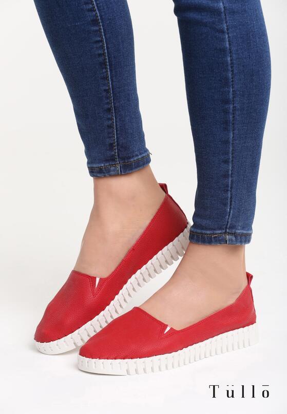 Czerwone Slip On Emollients