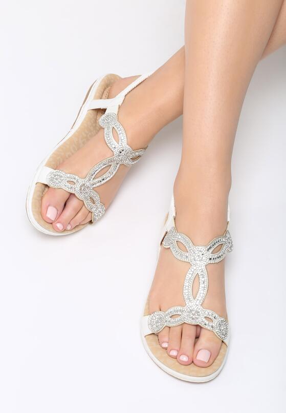 Białe Sandały Shopping Trip