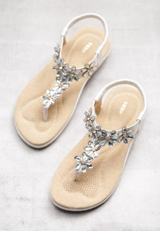 Białe Sandały Cyclamen