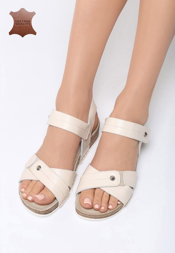 Beżowe Skórzane Sandały Behind The World