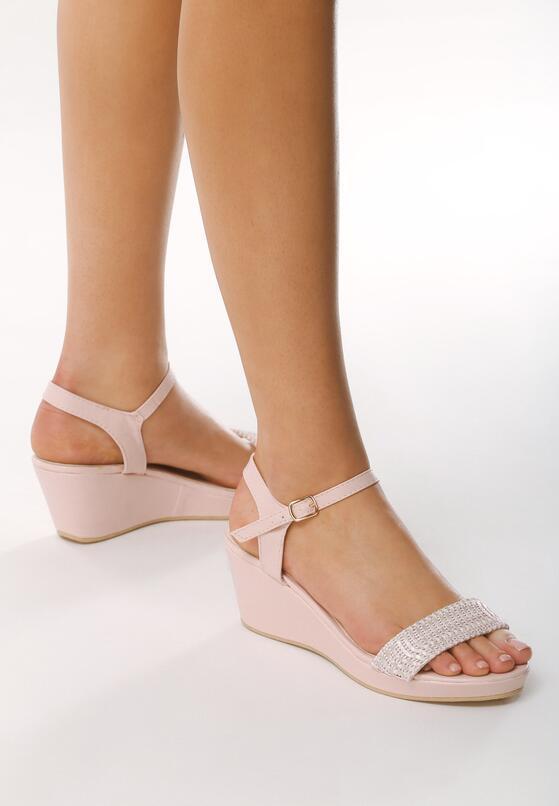 Różowe Sandały Next To Me