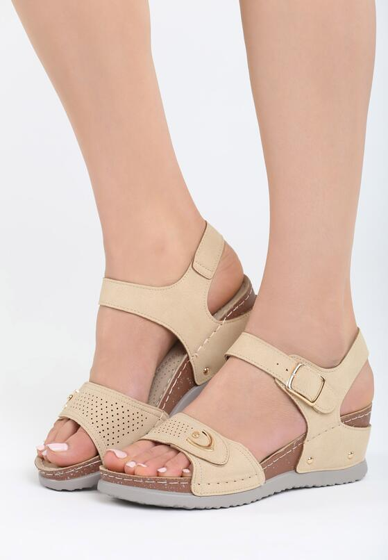 Jasnobeżowe Sandały Don't Judge