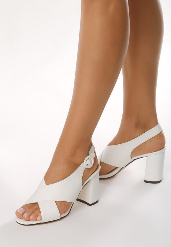 Białe Sandały The Movement