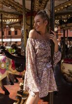Łososiowa Sukienka Revolution