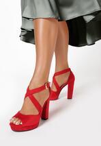 Czerwone Sandały Felicitous