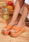 Pomarańczowe Klapki Antihistory