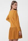 Żółta Sukienka Begins