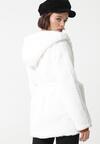 Biały Płaszcz Janessa