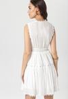 Biała Sukienka Clathyia